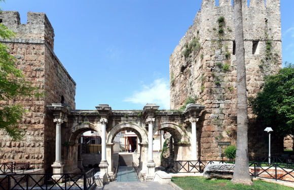 Hadrian's Gate, built in the honor of the Roman emperor Hadrian, who visited Antalya in the year 130.