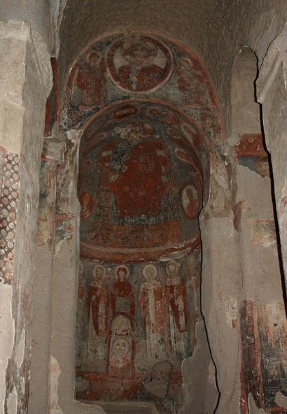 columned-church-direkli-kilise1