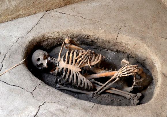 Hocker positioned burial found at Aşıklı Höyük