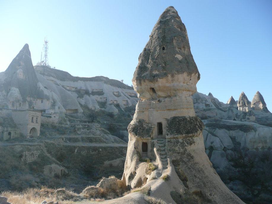 love-valley-goreme-cappadocia